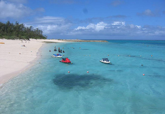 Okinawan Beaches: Minnajima