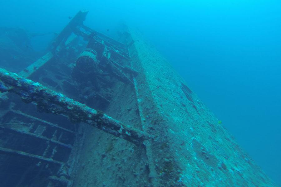 Dive spots Okinawa: USS Emmons