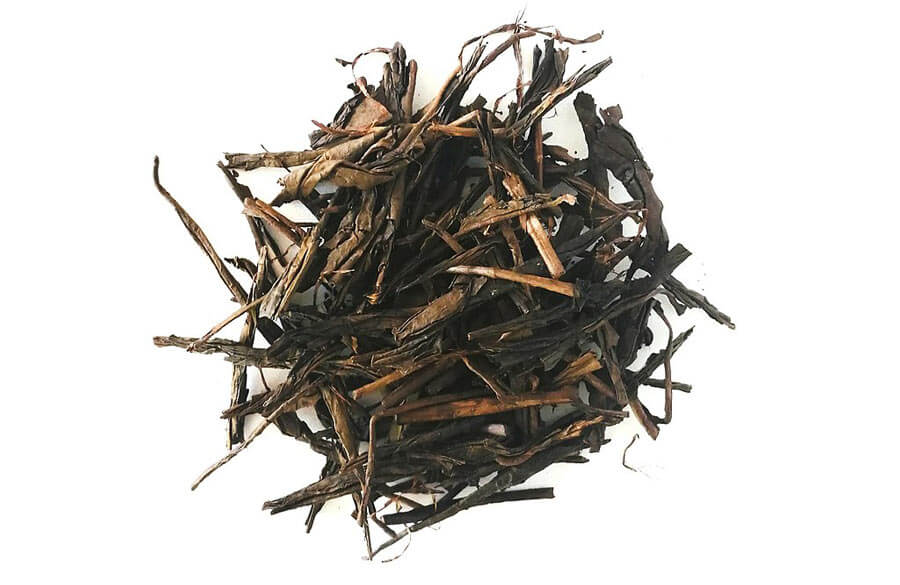 Hojicha tea leaves.