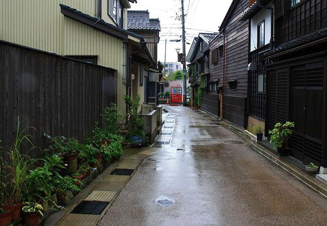Kanazawa Geisha District: Higashi Chaya-Gai