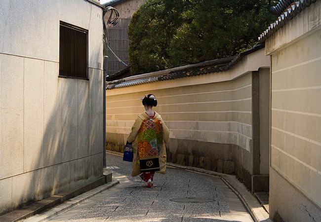 Kyoto Geisha Districts: Kamishichiken
