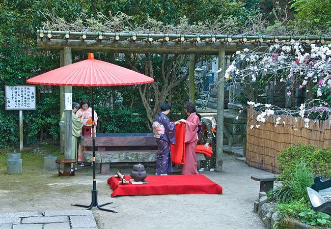A Japanese tea ceremony at Nichiren temple in Kamakura, Kanagawa.
