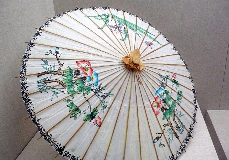 Oil paper umbrella used by geisha
