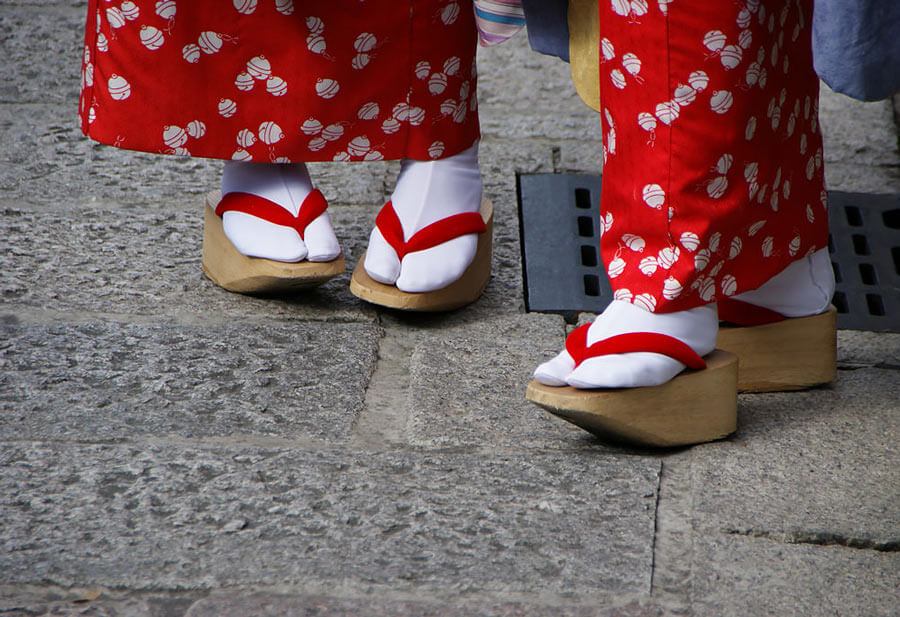 Okobo geisha shoes
